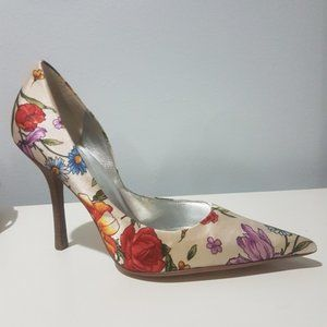 Guess by Marciano satin floral pumps